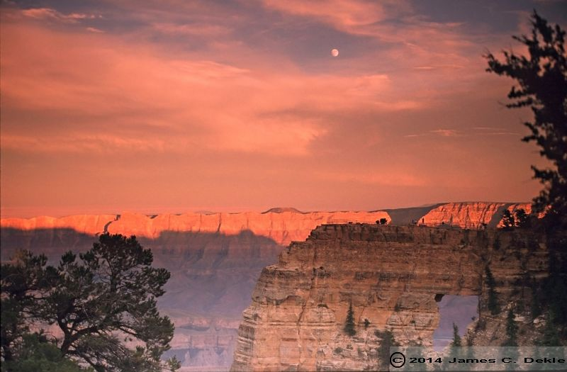 018 GRAND CANYON AT SUNSET 42185337 O